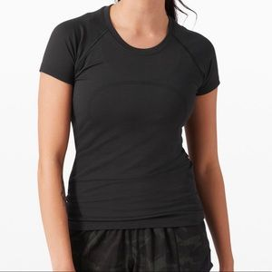 Lululemon swiftly tech short sleeve black! Size 6!